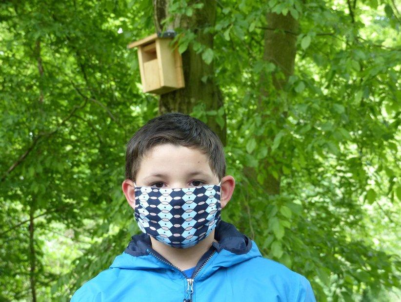 Selbst gebaute Nistkästen wurden zur Freude von John-Luca Scholle (9) bereits von Brutpaaren angenommen.